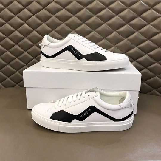 Givenchy Urban Street Low-Top Sneakers - G11V